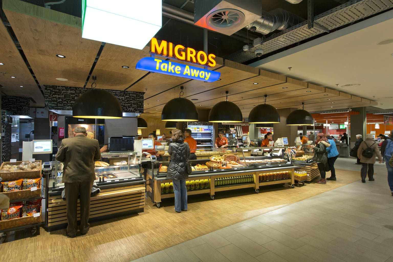 Ein Migros Take-Away Stand